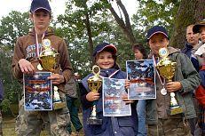 Vítězové dětských rybářských závodů.