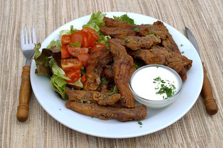 Specialita třeboňských restaurací– Kapří hranolky.